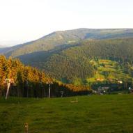 Výhled z Portášek na Temný důl a Černou horu