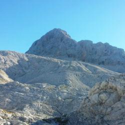 Náhorní plošina a vrcholová pyramida hory Triglav