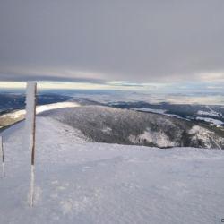 Výhled na východ na Svorovou horu.