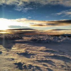 Pohled ze Stříbrného hřbetu na západ slunce.